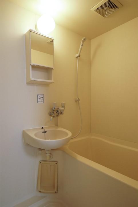 ハイツ押原の浴室