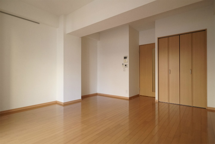 ヤマナシヤの洋室